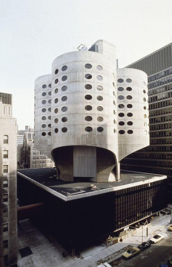 Prentice Women's Hospital in Chicago (1975) / designed by Bertrand Goldberg