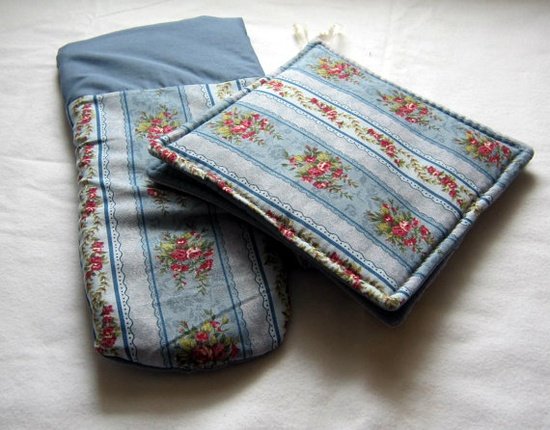 2 Kitchen Potholders and 1 Oven Mitt featuring by sewinggranny, $11.00