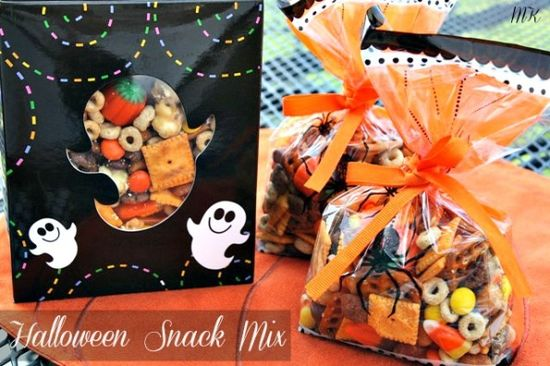Mommy's Kitchen: Sweet & Salty Halloween Snack Mix