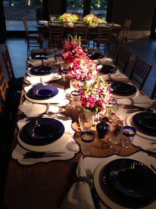 Veja mais em: www.casadevalenti... #details #interior #design #decoracao #detalhes #table #moderno #casadevalentina
