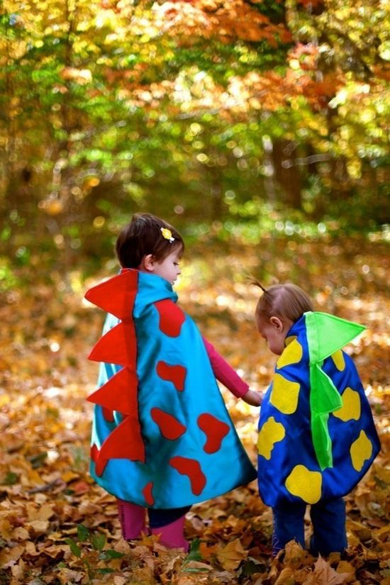 Dinosaur Cape with 3D scales - Costume for kid either a boy or a girl