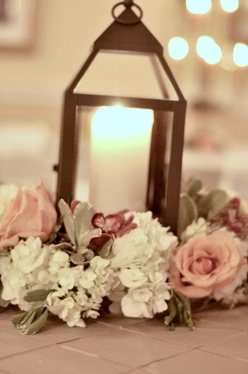 lantern-with-flowers-centerpieces