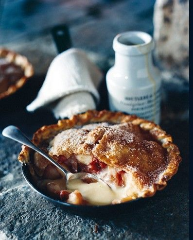 Apple, Rhubarb & Cinnamon Pie
