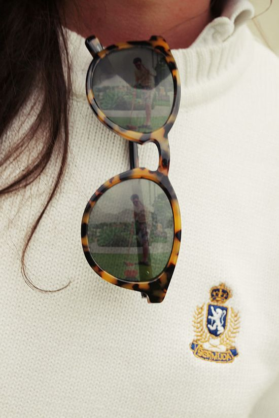 tortoise sunnies and preppy sweater