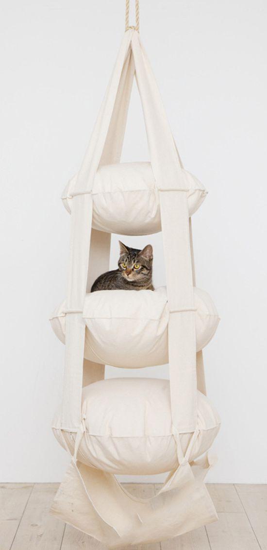 Cat Trapeze