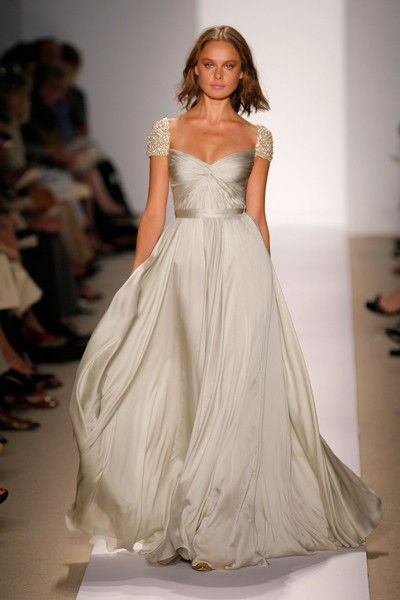 Gorgeous wedding dress...color and flow