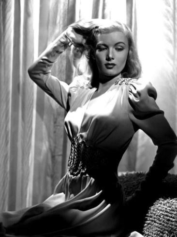 Veronica Lake 1940s glamour