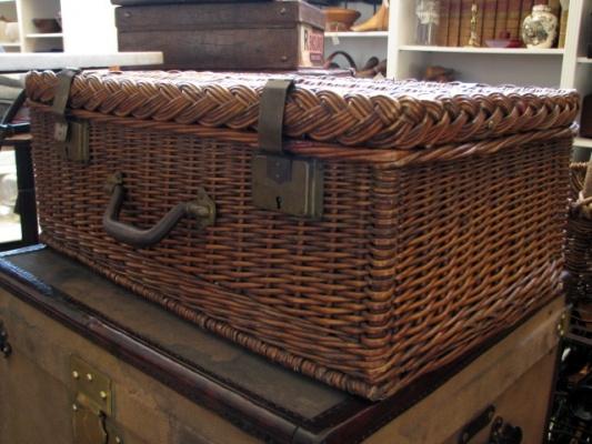 english cane picnic basket
