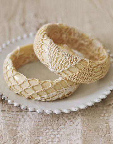 Easy way to turn plain plastic bangles into cool vintage bangles.