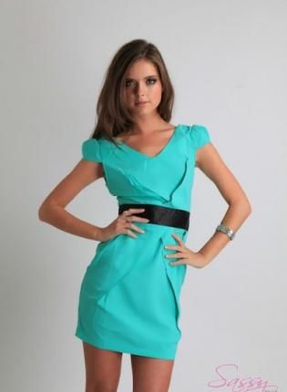 Love the color of this dress! So summery and pretty!