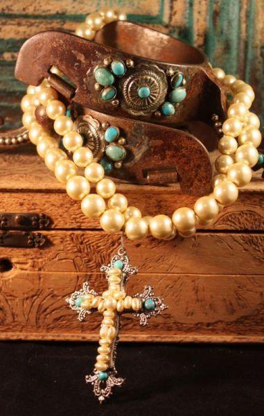 Girls love Pearls:)