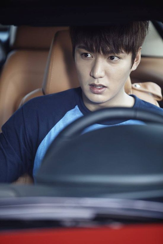 "Lee Min Ho ? #Kdrama - ""Heirs"": Lee Min Ho Studies While He Drives (UPDATED)"