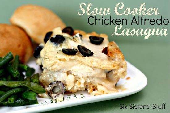 Slow Cooker Chicken Alfredo Lasagna- this is a family favorite! SixSistersStuff.com #recipe #dinner #crockpot