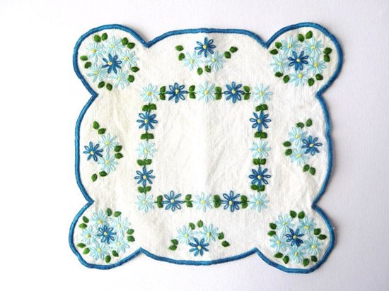 Two Embroidered Vintage Linen  Blue Flowers by PortugueseWonders, $9.50 #vintage #linen #cloth #flowers #blue #white #green #double #two #embroidery #embroidered #decor #home #homedecor #doily