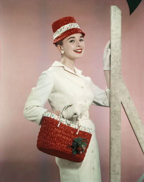 Love that handbag! #vintage #1950s #fashion #hat #dress