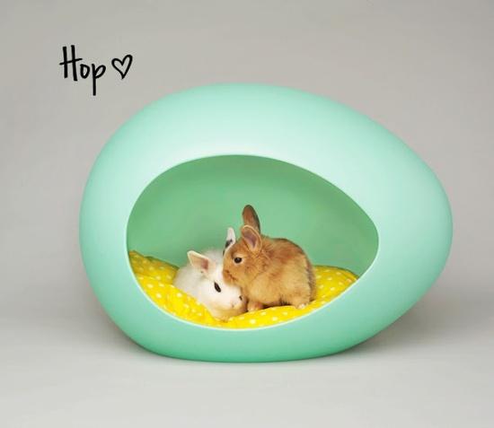 {Hop ?} egg-shaped pet bed - pEi Pod.