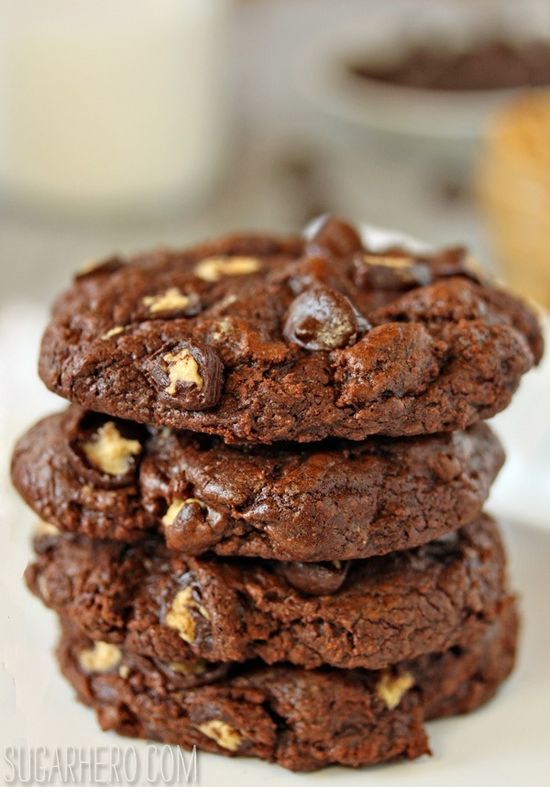 Gooey Chocolate Peanut Butter Cup Cookies