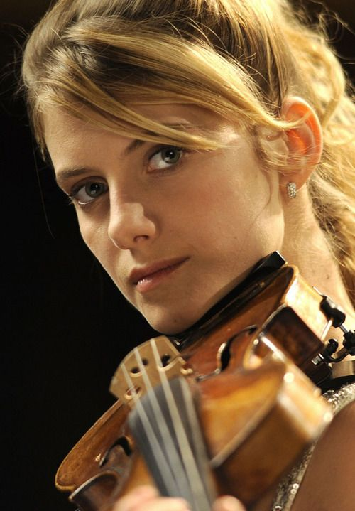 Melanie Laurent in Le Concert