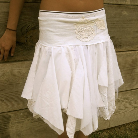 DIY skirt inspiration.....I wish I could sew this good.