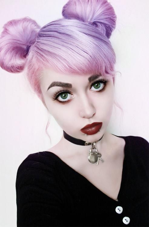 lilac hair + green eyes :)
