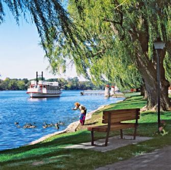 An hour west of Chicago's Loop, the Fox River provides a soothing backdrop to towns brimming with indulgent eats, stores housed in historical homes and posh places to stay. Details:  www.midwestliving...