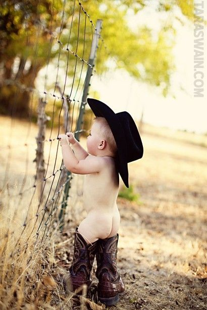 I can see us having a picture of our baby boy like this :)