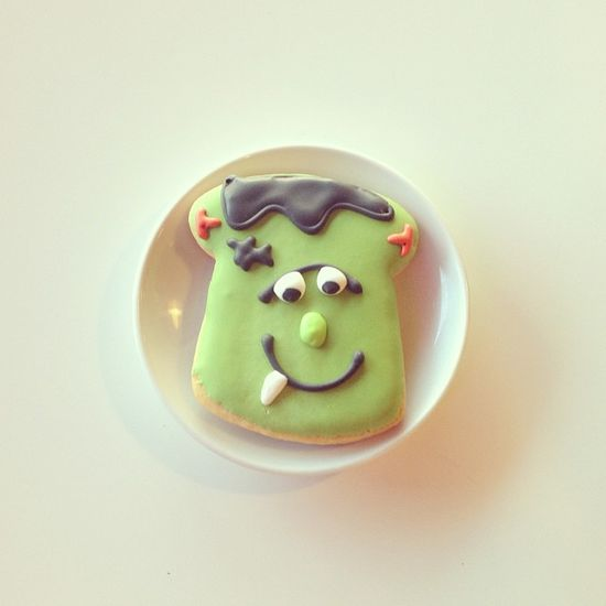 Frankenstein Decorated Cookie / 2tarts Bakery / New Braunfels, TX / www.2tarts.com