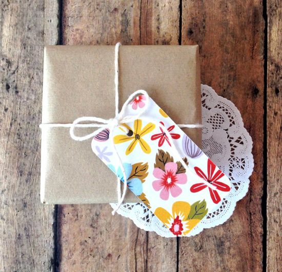 Floral gift tags via Etsy.