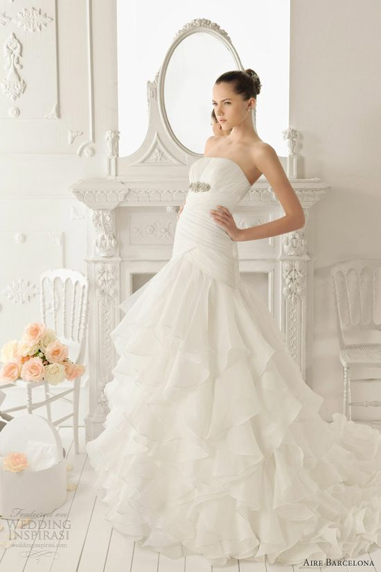aire barcelona 2013 rotterdam wedding dress ruffle skirt