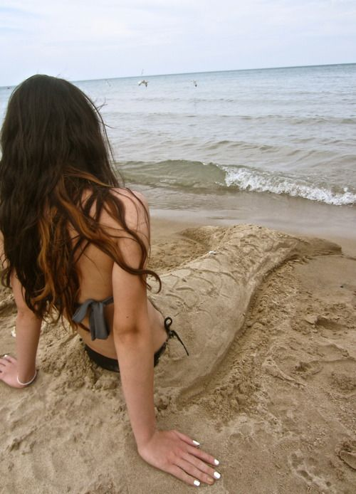 Cute :~) i wanna do this with the girls at the beach this summer!