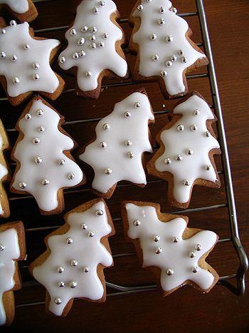 White Christmas~ tree cookies