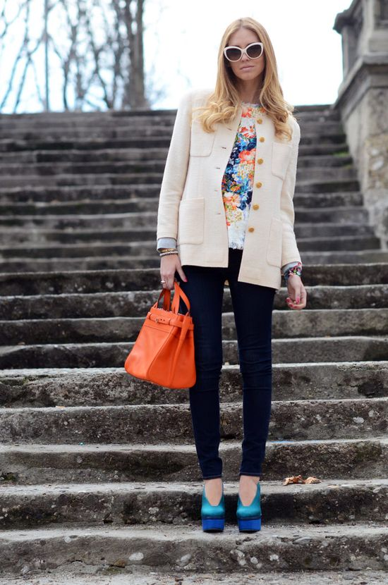 flowers and tweed. I am in love with everything here, retro shades to orange bag, to AMAZING PUMPS.