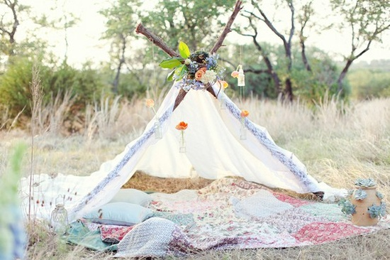 Pretty tent from bustleevents.blog...