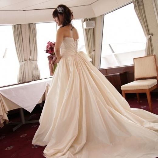 cruising wedding