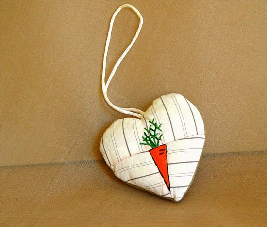WHITE HEART Ornament Kitchen Decoration by BozenaWojtaszek