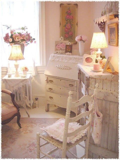 Shabby chic bedroom in an array of color - ideasforho.me/... -  #home decor #design #home decor ideas #living room #bedroom #kitchen #bathroom #interior ideas