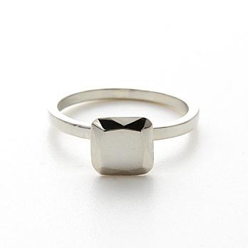 Diamond ring without the um... Diamond.