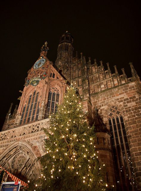Christmas Market, Nuremberg, Bavaria, Germany