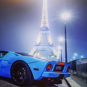 Ford GT with a beautiful Eiffel tower