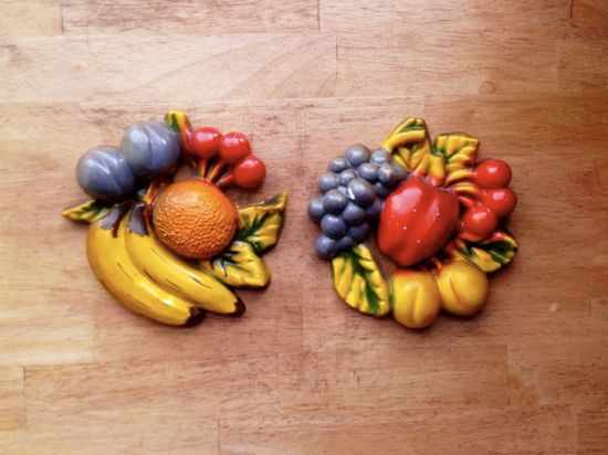 Vintage 1950s Fruit Wall Plaques, Vintage Fruit Chalkware Wall Art, Vintage Kitchen Decor
