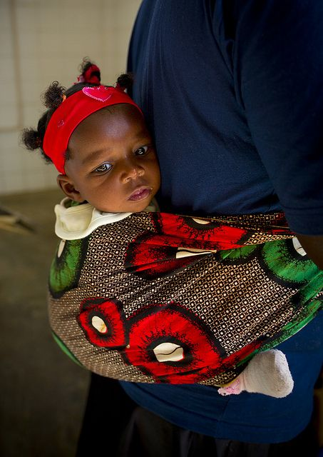 Baby in Namibe - Angola - Photo by Eric Lafforgue.