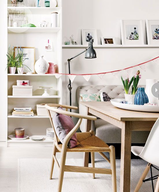 This 54m2 apartment is decorated in a Scandinavian style but is in Toronto (Canada).