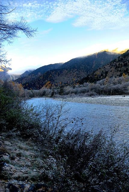 JAPAN _ Kmikochi morning Nov 3, 2007 by shinichiro*, via Flickr