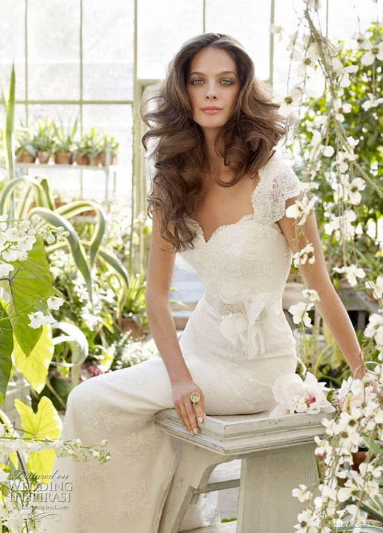 Lace cap sleeves