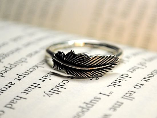 Love this feather ring!
