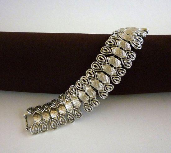 Coro Link Bracelet Silver tone