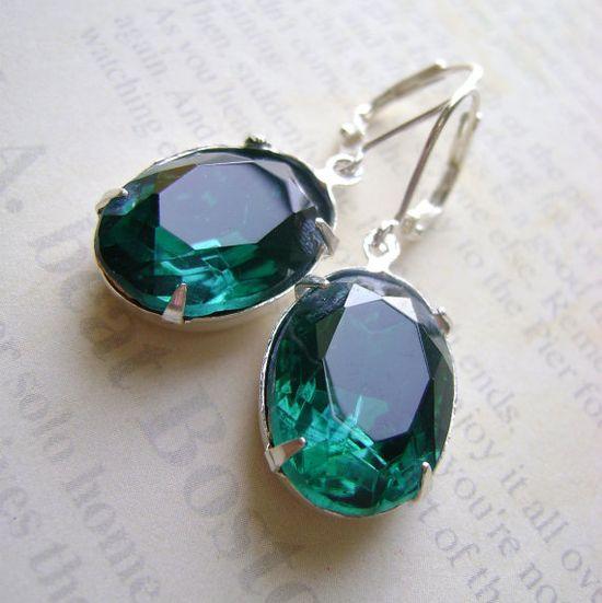 Emerald Green Silver Earrings Estate Style by RachellesJewelryBox