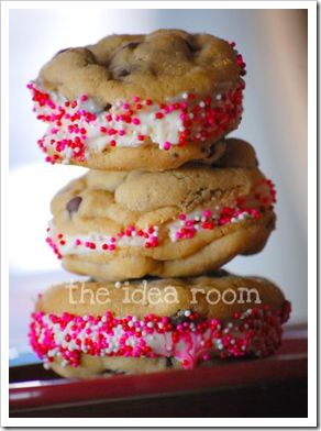 Valentines day Ice Cream cookie sandwiches