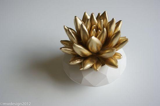 Gold Succulent Sculpture {WaterstoneSucculents via Etsy}