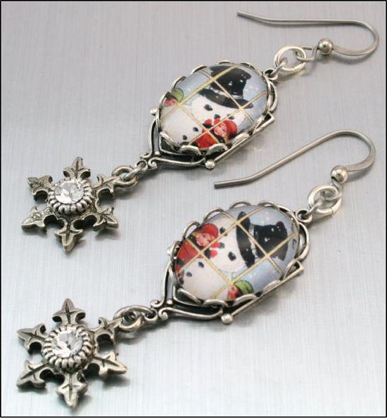 Snowman Dangle Earrings Christmas Earrings by BlackberryDesigns, $28.00